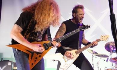 Dave Mustaine sul palco con i METALLICA nel 2011
