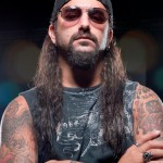 "MIKE PORTNOY: sfogo contro un fan che indossava una maglia di ""A Dramatic Turn Of Events"""