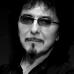 BLACK SABBATH: Tony Iommi nel box di vetro per sup ...
