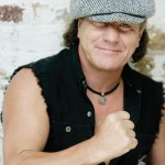 AC/DC: Brian Johnson proclamato Dottore in Musica, il video