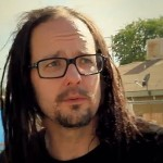 "KORN: Jonathan Davis e la nuova canzone ""Can You Hear Me"" (video)"