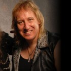 RAVEN, GIRLSCHOOL: incontrali con Metalitalia.com!