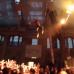 Stage diving dall'alto del palco, paura al Vans Wa ...
