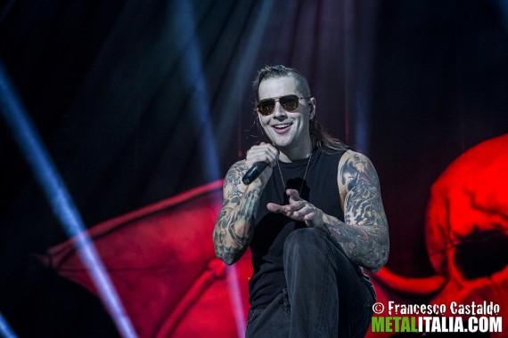 avenged sevenfold - m shadows live milano 2013