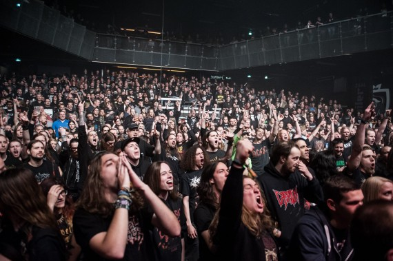 Neurotic Deathfest 2014 - crowd 1