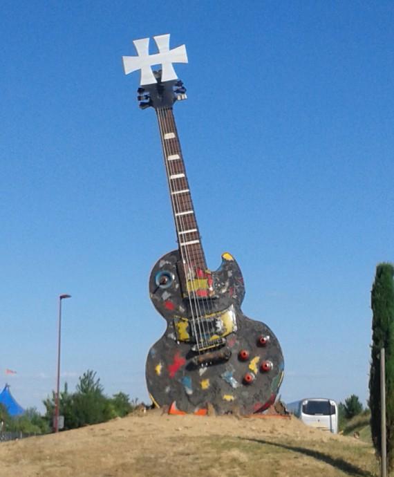 Chitarra gigante 2 - Hellfest 2014 - 2014