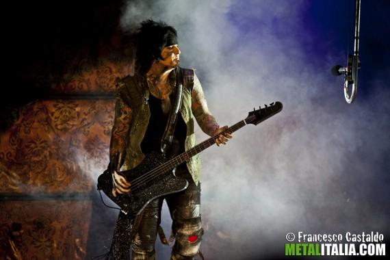 MÖTLEY CRÜE - Nikki Sixx live Gods Of Metal 2012