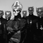 "GHOST: suonano ""Ghuleh / Zombie Queen"" in acustico (video)"