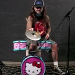 MIKE PORTNOY: suona la batteria di Hello Kitty (video)