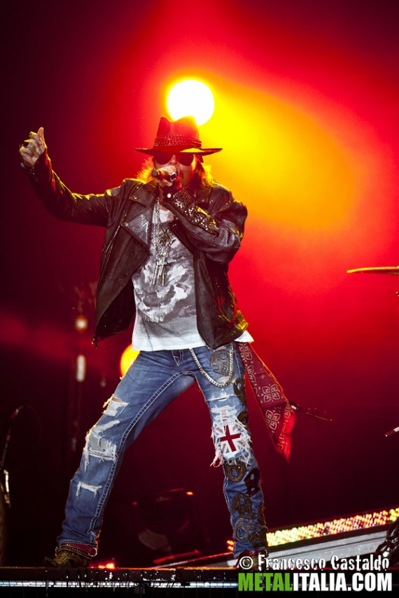 guns n roses - axl rose - live gods of metal 2012