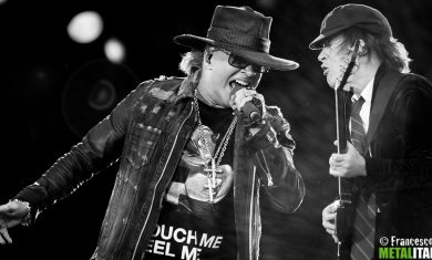 Angus Young e Axl Rose
