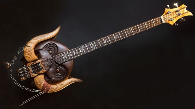 Cynosure Guitars - Lemmy Bass