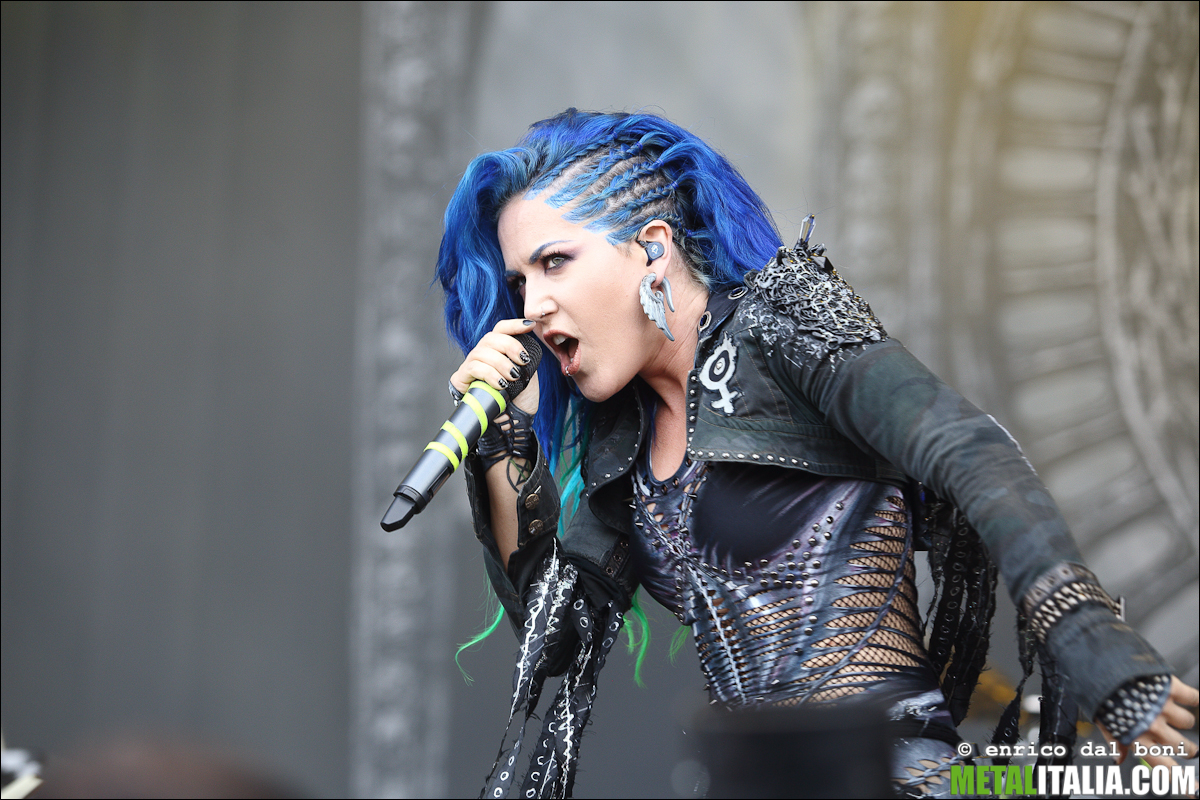 "Alissa White Gluz On Twitter Congratulations To: ARCH ENEMY: In Streaming Il Nuovo Singolo ""The World Is Yours"""