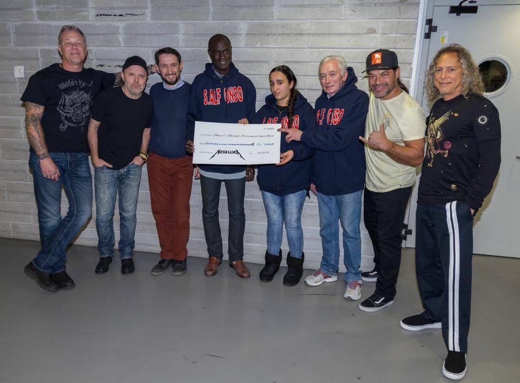 METALLICA: donano 15.000 euro alla mensa dei poveri di Torino