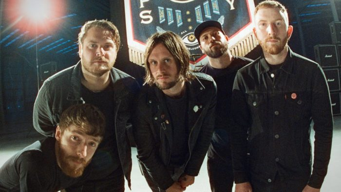 """WHILE SHE SLEEPS: ascolta il nuovo singolo """"You Are All You Need"""""""